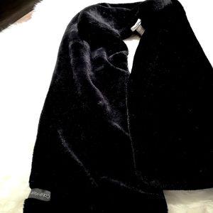 Faux fur Calvin Klein scarf